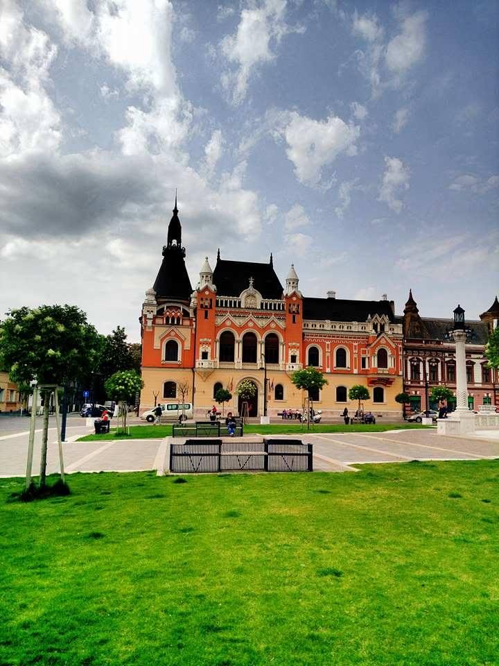 (Foto) Cel mai frumos centru istoric din România! Clujul, Brașovul și Bucreștiul trebuie să ia lecții de aici 9