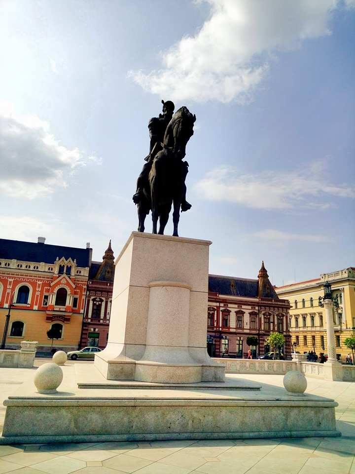 (Foto) Cel mai frumos centru istoric din România! Clujul, Brașovul și Bucreștiul trebuie să ia lecții de aici 7