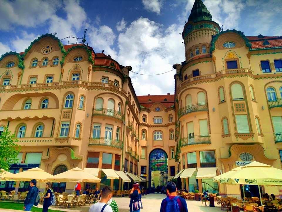 (Foto) Cel mai frumos centru istoric din România! Clujul, Brașovul și Bucreștiul trebuie să ia lecții de aici 2
