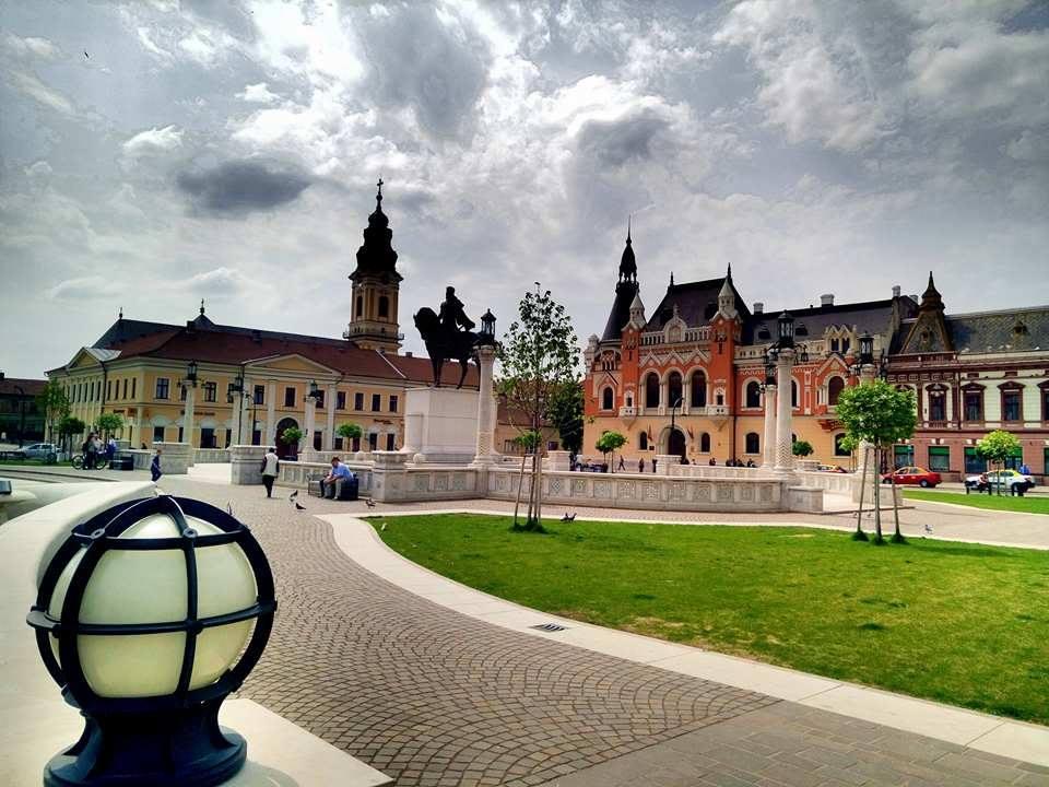 (Foto) Cel mai frumos centru istoric din România! Clujul, Brașovul și Bucreștiul trebuie să ia lecții de aici 5