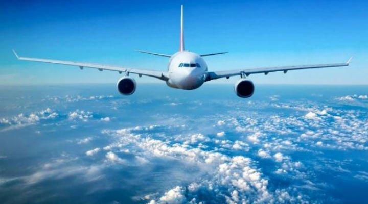 """Vrei să schimbi biletul de avion? O româncă a preferat să-l piardă decât să plătească """"serviciul"""" de schimbare 1"""