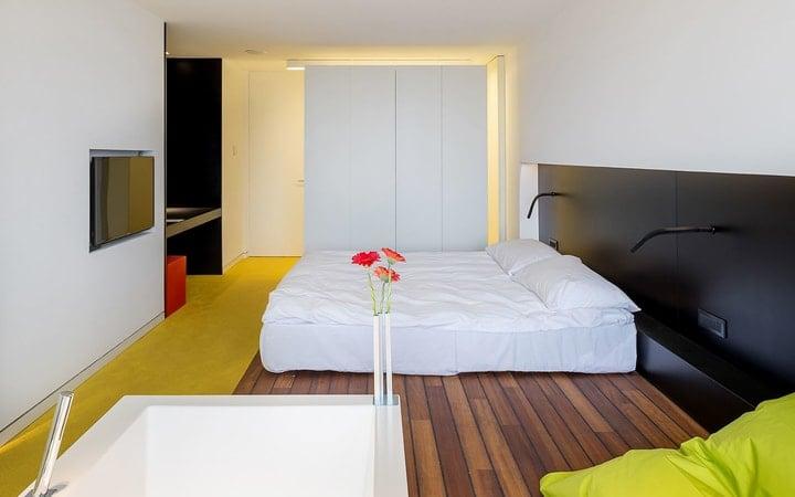 """(Foto) Tudor Galos: """"Astăzi am plecat de la Hotel PRIVO. Rămân la părerea că este cel mai bun hotel de business din România, un etalon pentru industria hotelieră...."""" 2"""