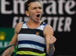 Victorie! Simona Halep a învins-o pe Venus Williams după un meci excepțional. Urmează Serena 12