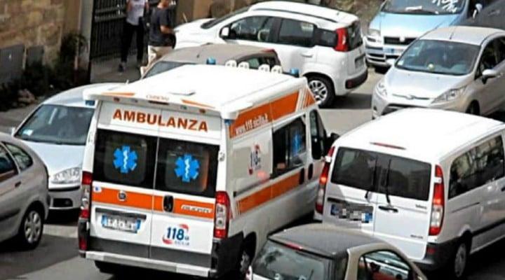 """Româncă în Italia, blocată în trafic, copilul moare. """"Ajutor, nu mai respiră!"""" A privit neputincioasă cum băieţelul ei de doar 11 ani a murit 1"""