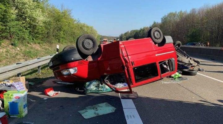 Accident. Dubă cu 8 români răsturnată pe o autostradă din Germania 1