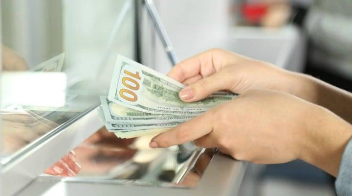 O femeie din România a scăpat de o datorie de aproape 45.000 de euro la bancă. Împrumutase 50,000 de euro 1