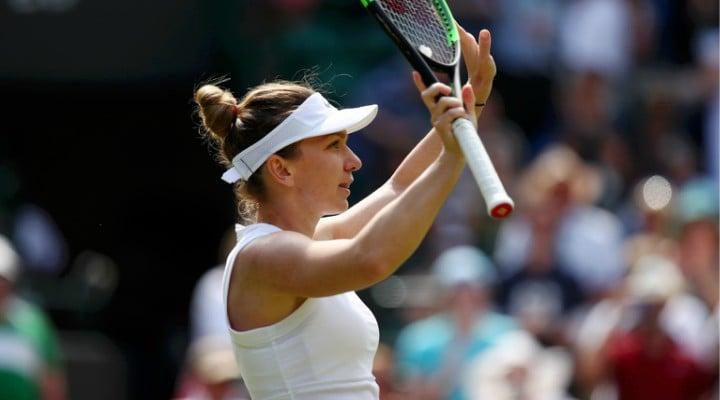 Felicitări! Simona Halep s-a calificat în optimi la Wimbledon după o victorie rapidă cu Victoria Azarenka 1