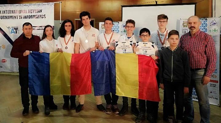 Felicitări! Trei medalii de argint și patru medalii de bronz: palmaresul echipelor de seniori și juniori ale României la Turneul Internaţional de Informatică Shumen din Bulgaria 1