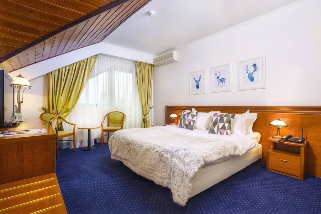 Cât costă o cameră în hotelul Simonei Halep de Valentine's Day și Dragobete 1