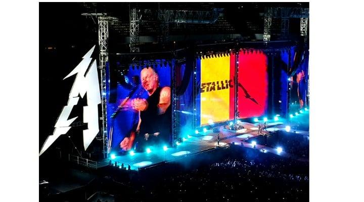 """Respect. Metallica donează 250.000 de EURO pentru Spitalul de Oncologie și Radioterapie Pediatrică. Adriana : """"Bravo, artiștilor! """"Pensiile speciale"""" nu pot lua exemplul lor, că au cheltuieli mari la întreținere (vile, mașini, menajere, copii, nepoți, amante, neveste)....."""" 2"""