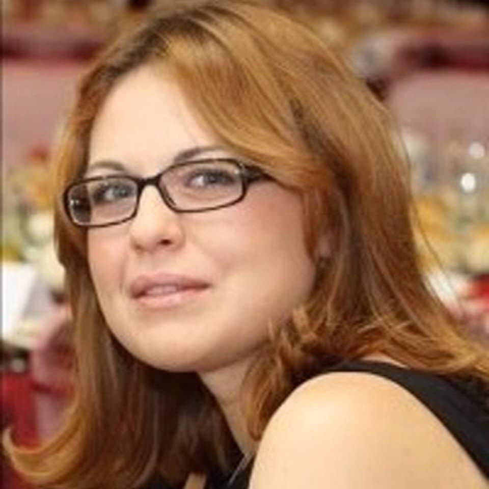"""""""Ea e procuroarea care l-a executat azi pe Dragnea. 5 capete de acuzare: doua de abuz, doua de frauda cu fonduri europene și una de grup infracțional organizat. Prejudiciu: 21 de milioane de euro"""" 1"""