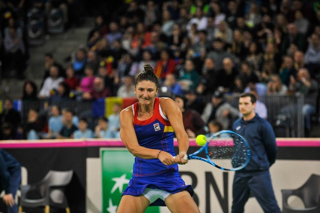 """(Foto) Simona Halep: """"Joacă perfect fetele și fără mine"""". România conduce cu 2-0 2"""