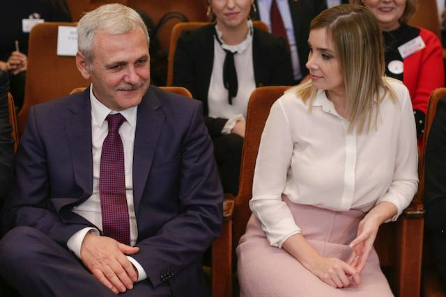 """Psiholog, despre iubita lui Liviu Dragnea: """"Este exact ce vrea un om în situația liderului PSD. Nu-l contestă, nu vorbește contra lui .... Colegii de partid sunt mirați și îl invidiază...."""" 2"""