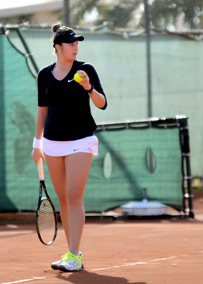 """(Foto) Ea este noua senzație a tenisului din România. A urcat aproape 400 de locuri WTA. """"Fiecare meci jucat la turnee a contat în evoluţia mea. Cu siguranţă, primul titlu ..."""" 2"""