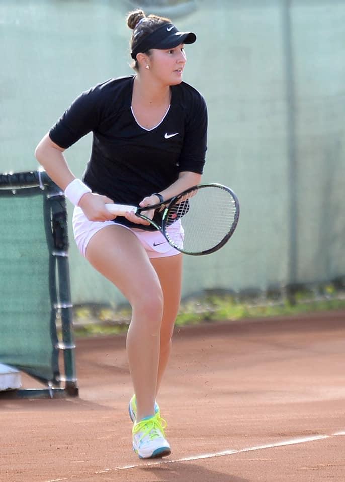 """(Foto) Ea este noua senzație a tenisului din România. A urcat aproape 400 de locuri WTA. """"Fiecare meci jucat la turnee a contat în evoluţia mea. Cu siguranţă, primul titlu ..."""" 1"""