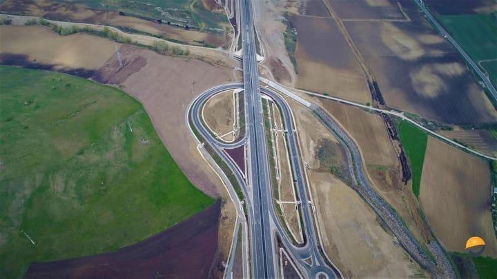 """(Foto) Autostrada din România finalizată (arată superb) dar ținută închisă! Asociația Pro Infrastructură: """"RUȘINE! Ne chinuim din decembrie 2017 să explicăm unei țări întregi situația penibilă în care ne aflăm... Conform informațiilor aflate pe surse, se pare că avem stabilite datele pentru recepție"""": 7"""