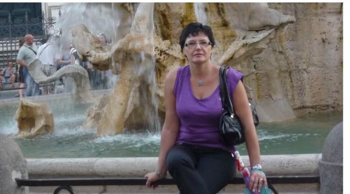 """O româncă a reușit în Italia: """"Viața poate fi luată de la capăt, dacă vrei cu adevărat ...Nu vorbeam limba italiană deloc, doar ceva engleză. Am rămas fascinată de Sicilia și la întoarcere, în România, primul lucru pe care l-am făcut a fost să..."""" 1"""