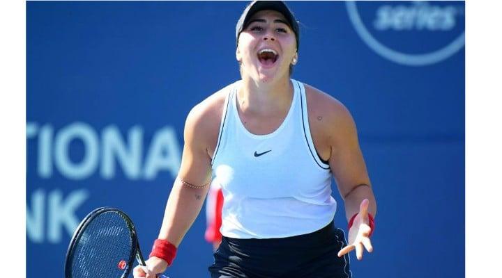 """Spectaculos! Bianca Andreescu o învinge pe Karolina Pliskova și se califică în semifinalele Rogers Cup. Tatăl Biancăi: """"În primul rând, suntem români, apoi canadieni"""" 1"""