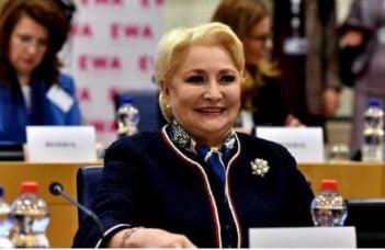 """Mircea Badea o jignește pe Viorica Dăncilă și anunță cu ce partid votează. """"Imbecila planetei...Adevărul e ca foarte multi pesedisti sunt pur si simplu insuportabili. Sunt doar..."""" 11"""
