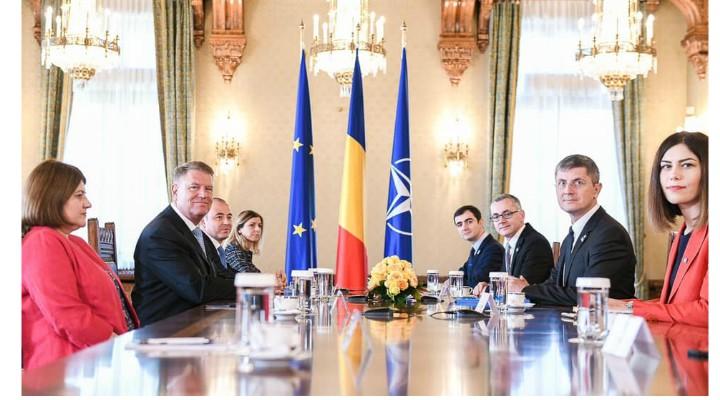 """Claudiu Nasui: """"Am făcut parte din echipa USR care a participat la consultările de la Palatul Cotroceni. Soluțiile USR includ alegerile anticipate, deoarece România are nevoie de viziune și reforme curajoase. Fără penali în funcții publice, fără pensii speciale, alegeri în două tururi pentru primari și stabilitate economică.  Mă bucur să văd că ..."""" 1"""