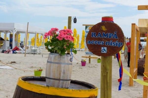 """(Foto) Proiect unic în România. Un psiholog a făcut o """"plajă terapeutică"""", GRATUITĂ, la Mamaia: """"Te rog sa-mi faci o vizita, daca ajungi vara aceasta pe litoral. Vreau sa te convingi ca povestea mea este adevarata. Plaja este destinata in principal ..."""" 2"""