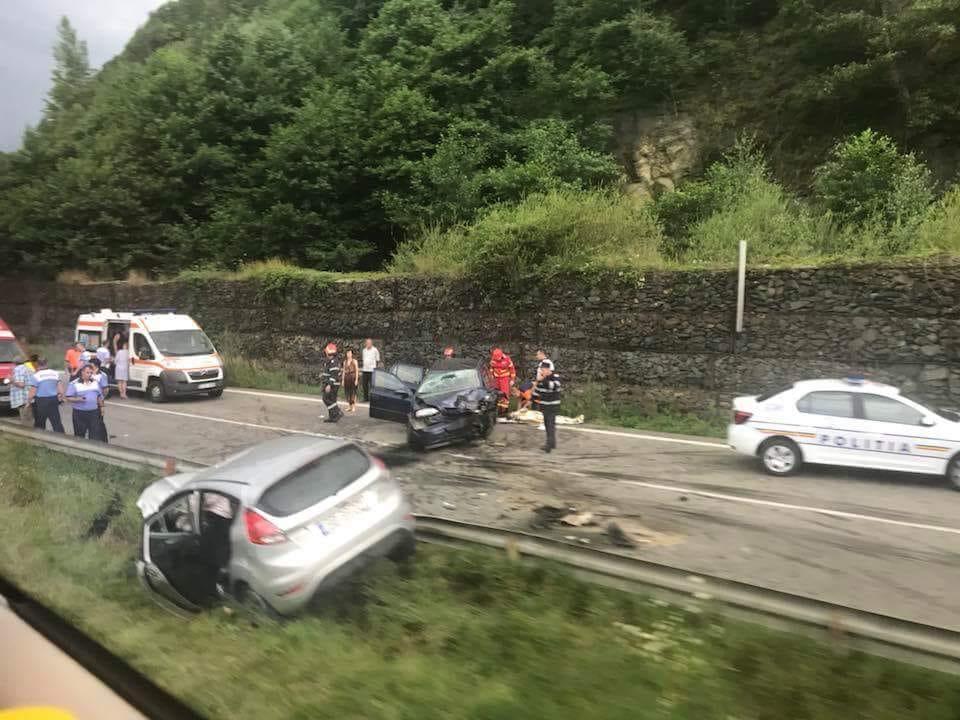 Accident grav! 8 răniți pe Valea Oltului, printre care și un copil în vârstă de un an 2