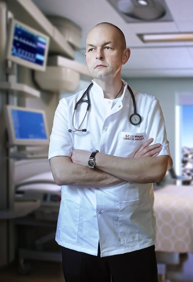 """Medicul Florin Orțan: """"Astazi, 12 mai, e ziua asistentului medical...""""Uita-te la ele, o sa lucrezi toată viata cu ele, oricâtă știință vei acumula, fără ele rezultatul e nul. Sa nu încerci niciodată sa le dai ordine pe care tu nu le poți duce la bun sfârșit."""" După asta am început sa învăț de la VOI, cum se ..."""" 1"""