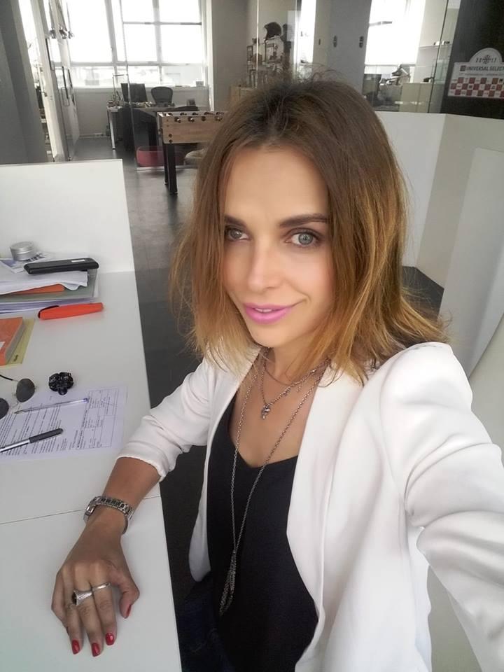 """Protest Dispora Romania. Alexandra Rosca: """"Si eu, de 12 ani in Italia, ma """"prostituez"""" intr.o societate din Milano, ca responsabil si coordinator de securitate pe șantiere..."""" 1"""