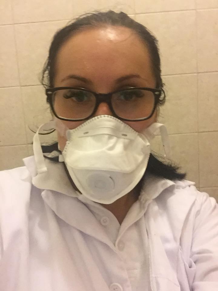 """Protest Diaspora România. Carina Rummel: """"Ma """"prostituez si fur"""" si eu de 15 ani la München! Fur civilizatie si am invatat sa fiu om pe bani putini..si da, am venit si m-am chinuit sa învăț limba, sa comunic cu pacienții care plini de înțelegere m-au acceptat și m-au prețuit și de ce nu, cred ca m-au și îndrăgit!  Acum sunt asistenta intr-un ..."""" 3"""