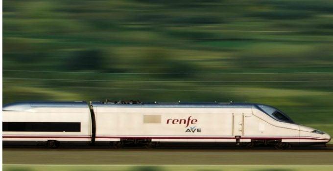 """Româncă în Spania: """"Experienta cu AVE – trenul spaniol de mare viteza. Nimeni nu a mâncat semințe  În tren nimeni nu a vorbit tare sa il auda tot vagonul, nimeni nu a ascultat muzica decât la căști si gunoaiele le depozitau in locuri special amenajate. Daca ți se termina bateria la telefon, nicio problema, fiecare scaun are priza lui pentru încărcat! La un moment dat …"""" 21"""