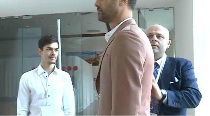 FELICITĂRI! Tânăr croitor român din Italia, premiat la Congresul Internațional al Maeștrilor Croitori din Verona 1