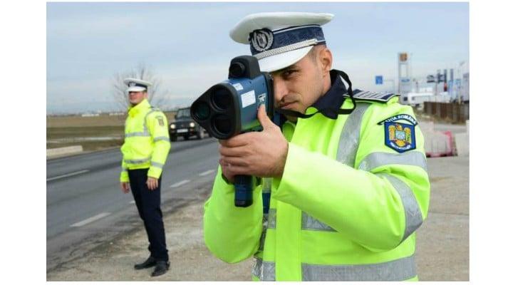 E bine? Poliţia Rutieră nu mai poate ascunde radarele în tufişuri. S-a votat 1