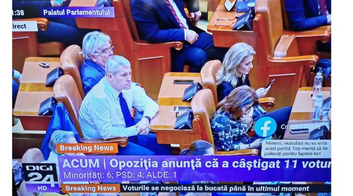 """Moțiunea de Cenzură. Opoziția anunță că a câștigat 11 voturi: 6 de la minorități, 4 de la PSD și unul de la ALDE. Raluca Turcan: """"Să fie foarte clar pentru propaganda PSD: PNL nu va tăia nimic de la oamenii cinstiți din România. Singurii care se tem sunt uzurpatorii de aici"""" 1"""