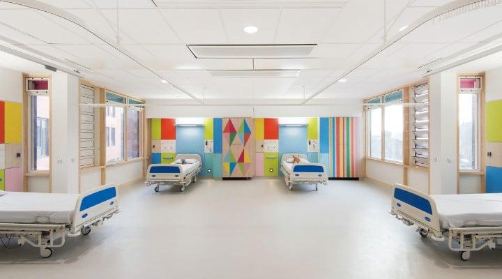 """Ovidiu: """"Sunt medic și am lucrat și pe urgență și pe ATI ...în sistemul de stat ... NU mi se pare corect ca să-mi cumpăr io. medicamente pentru că spitalul nu are din cauza unora care nu au conștiință sa plătească asigurări de sănătate..."""" 1"""