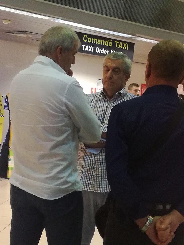 """Tăriceanu luat la rost pe aeroport de un protestatar.  """"M-am dus, am dat bună dimineața si i-am spus să îi fie rușine. A raspuns ..."""" 1"""