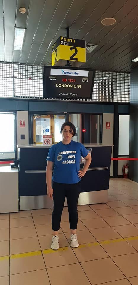 "Cristina Stancu: ""Ma intreaba Facebook la ce ma gandesc. Stau in aeroport. Este 3 dimineata si astept. Astept sa ma intorc in tara, la copilul meu. Am un nod in gat...si simt nevoia sa ..."" 2"