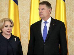 """Blat Iohannis-Viorica? Miron Damian: """"O fi blat, sau poate că ambele părți se cred mai dăștepte decât sunt....Dacă președintele Iohannis i-ar fi numit miniștrii pe 30 august, dna Dăncilă ar fi rămas acum cam cu 3 săptămâni la dispoziție. Cum n-au fost numiți și președintele încă așteaptă să vadă decizia publicată, PSD poate spune cu temei că vine în fața parlamentului când vrea"""" 7"""