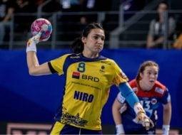 """FELICITĂRI! Cristina Neagu a fost aleasă cea mai bună handbalistă a lumii. A ajuns la al patrulea """"Balon de Aur"""" al carierei 4"""