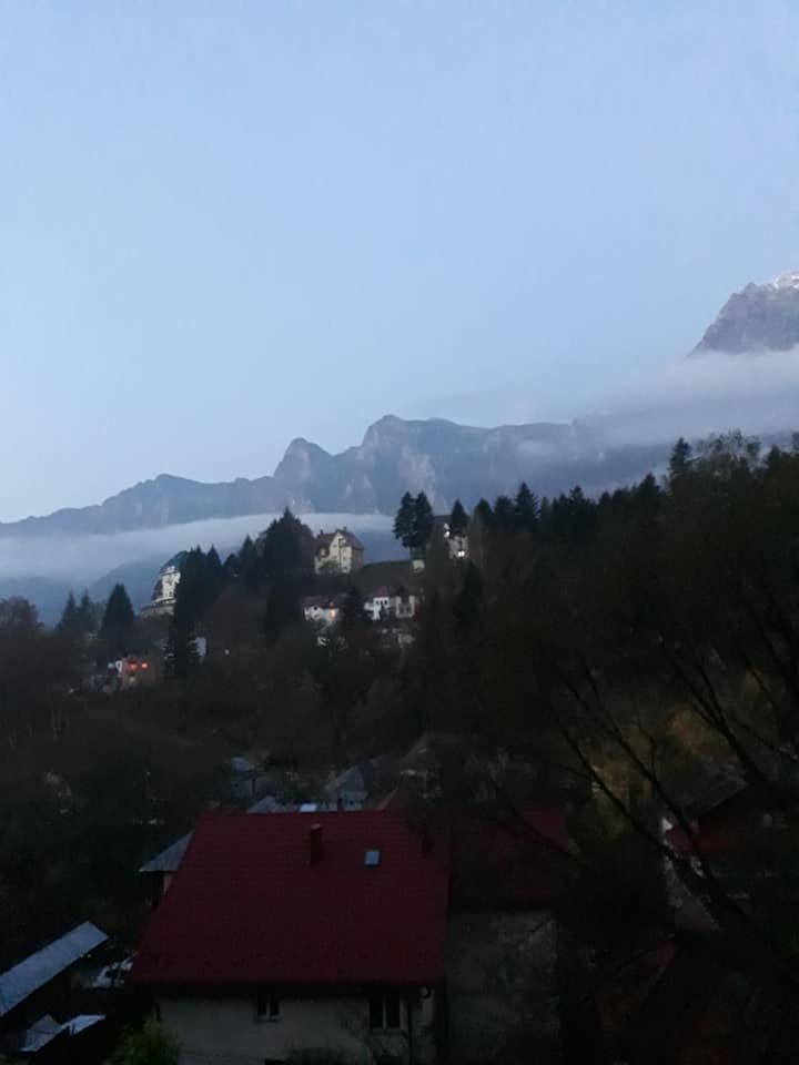 (Foto) Un val polar a intrat deja în România.  Vremea se schimbă radical. Unde a nins deja 3