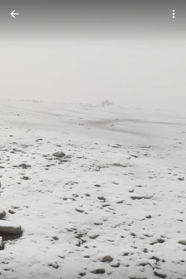 (Foto) Un val polar a intrat deja în România.  Vremea se schimbă radical. Unde a nins deja 1