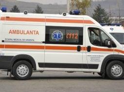 """Scriitoarea Ana Barton: """"18:50. Primul apel la 112. Minor de 17 ani, posibil în șoc anafilactic...E ora 20:42. Ambulanța nu a venit nici până acum...Un alt om aflat într-o criză alergică atât de gravă ar fi murit în timpul ăsta....A venit ambulanța, puțin înainte de ora..."""" 45"""