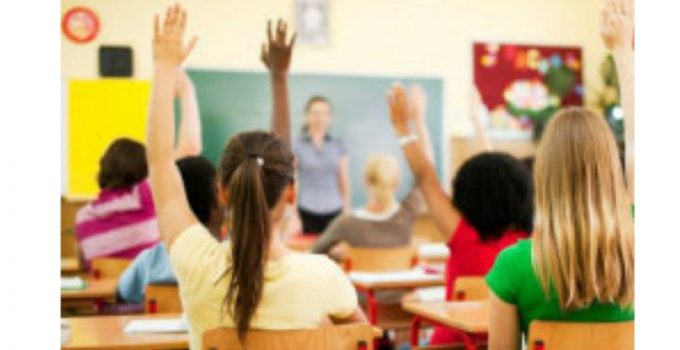 """Update. Profesoara a dat cu spray lacrimogen în copii. Mama unuia dintre elevi: """"La un moment dat, un băiat a vrut să meargă la toaletă, învăţătoarea nu l-a lăsat şi atunci copiii au ..."""" 6"""