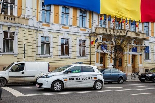 (Foto) Primul oraș din România care a cumpărat mașini electrice pentru Poliția Locală 6