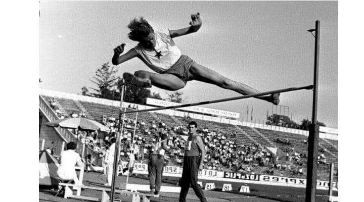 RESPECT!  10 septembrie, în anul 1960, la Jocurile Olimpice de la Roma, IOLANDA BALAȘ, supranumită de gazde la grande bionda, A SĂRIT 1,85 METRI și a câștigat medalia olimpică de aur la o diferență de 14 cm față de următoarea clasată. În total România a obținut 10 medalii (3 aur, 1 argint, 6 bronz) 1