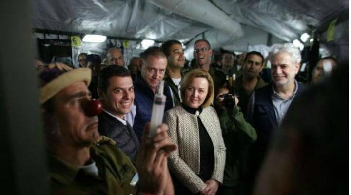 "Tu ești pregătit? Madalin Hodor: ""Hai ca e bine. Scenariul ultraoptimist al lui Raed Arafat capata accente grotesti. 390 de cladiri distruse total si 3000 de morti. Si continua sa sustina ca exercitiul este un succes.  Tot el spune ca raman in picioare si functionale partial doar ..."" 1"