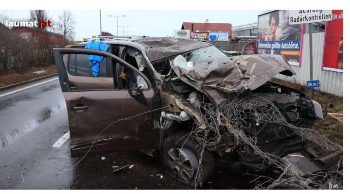 """(Video) O româncă în Austria a făcut """"prăpăd"""" după ce a urcat beată la volan unui autoturism SUV 1"""