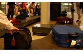 """Român reţinut pe Aeroportul Otopeni, după ce a furat bagajul de cală al unui alt pasager. """"După efectuarea formalităţilor, cel în cauză s-a deplasat în sala de sosire a bagajelor şi a ..."""" 14"""