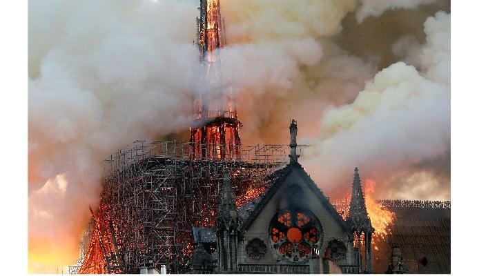 """Câți bani donează Gabriela Firea pentru Catedrala Notre Dame. Vitalie Cojocari: """"Pentru că mă tot întrebați despre banii pe care Gabriela Firea îi donează din propriul salariu ...Primarul Capitalei are un venit anual din salariu  de..."""" 1"""