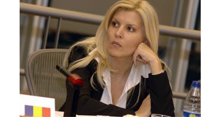 Probleme pentru Elena Udrea. Judecătorii europeni o pot trimite din nou la închisoare! Judecătorii din România au sesizat  Curtea de Justiție a Uniunii Europene după decizia CCR 1