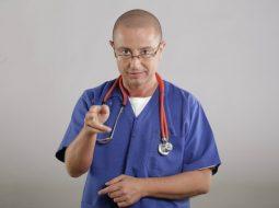 """Medicul Tudor Ciuhodaru: """"Cazurile de infecție cu West Nile iau proporții. Numărul pacienților infectați a ajuns la 57. Nu neglijați înțepăturile de țânțari. Atenție: 1. Principala cale de transmitere la om este..."""" 10"""